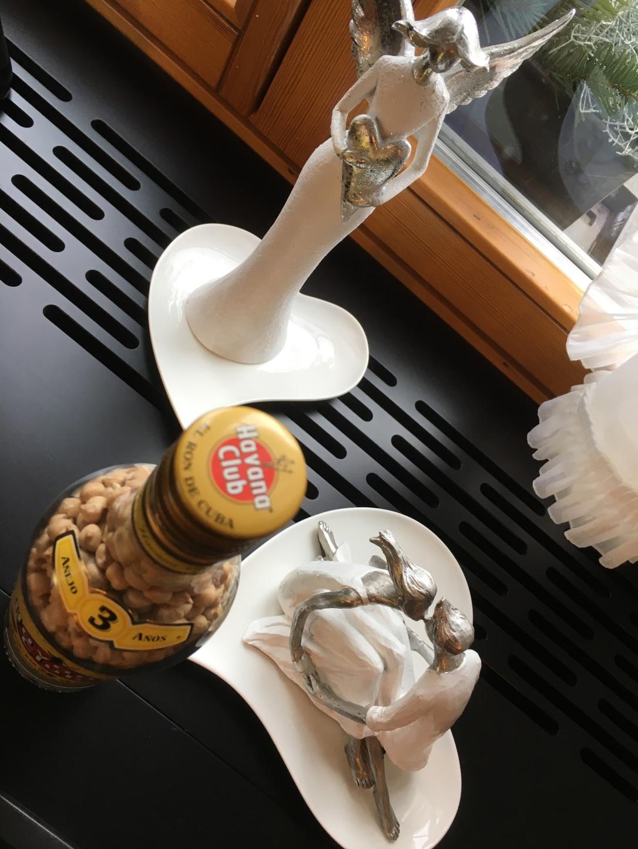 Diese Flasche Rum steht im Restaurant und kann jederzeit während den Öffnungszeiten besichtigt werden!